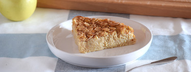 Apple, oatmeal and almond fitness pie: healthy recipe without sugar